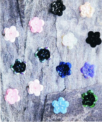 FLOWER SEQUIN APPLIQUE